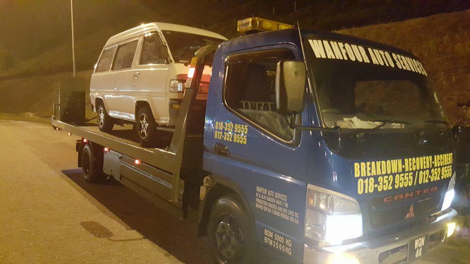 breakdown-rosak-battery-kemalangan-tow-truck-towing-trak-penunda-4x4-pickup