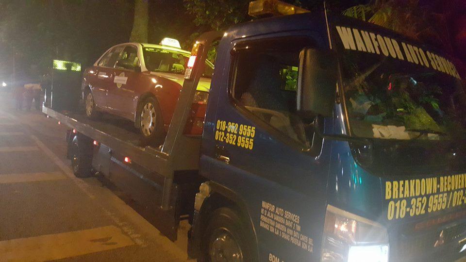 towing-truck-trak-penunda-tarik-kereta-rosak-kemalangan-accident-insurans-towtruck-kenderaan