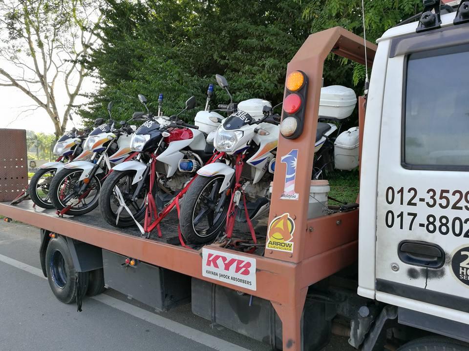 towing-truck-trak-penunda-tarik-kereta-rosak-kemalangan-accident-insurans-towtruck-motosikal-kereta-bisnes-honda-toyota-perodua-daihatsu-nissan-rxz-yamaha