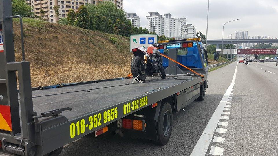 towing-truck-trak-penunda-tarik-kereta-rosak-kemalangan-accident-insurans-towtruck-motosikal-kereta-bisnes